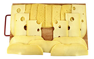 Bilder Käse Weißer hintergrund Schneidebrett Geschnitten Lebensmittel
