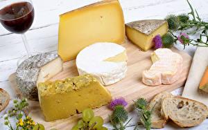 Hintergrundbilder Käse Wein Brot Schneidebrett Weinglas