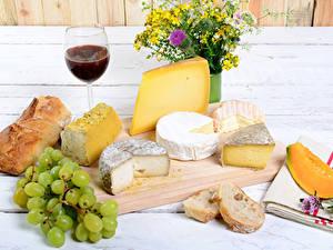 Fotos Käse Wein Weintraube Brot Stillleben Sträuße Schneidebrett Weinglas
