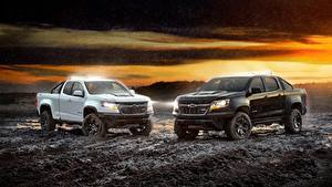 Desktop hintergrundbilder Chevrolet 2 Weiß Schwarz Pick-up Schlamm Colorado, ZR2, Midnight, Crew Cab, 2018 automobil