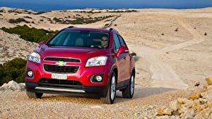 Fotos Chevrolet Softroader Rot Vorne Metallisch Trax, 2013 Autos
