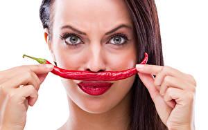 Bilder Chili Pfeffer Finger Weißer hintergrund Braune Haare Gesicht Rote Lippen Mädchens