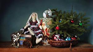 Fotos Neujahr Ast Kugeln Puppe Zapfen