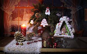 Fotos Neujahr Kerzen Backware Haus Kekse Stillleben Fenster Zapfen Kugeln Design Fausthandschuhe Schneemänner das Essen