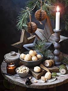 Bilder Neujahr Kerzen Backware Schalenobst Stillleben Kugeln
