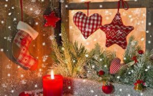 Bilder Neujahr Kerzen Kleine Sterne Herz Ast Kugeln Schnee