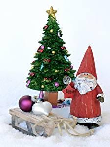 Hintergrundbilder Neujahr Tannenbaum Stern-Dekoration Weihnachtsmann Kugeln Schlitten