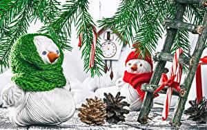 デスクトップの壁紙、、新年、時計、枝、雪だるま、松かさ、