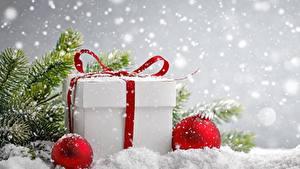 Bilder Neujahr Geschenke Schnee Schachtel