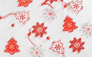 Bilder Neujahr Grauer Hintergrund Christbaum Schneeflocken