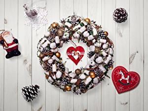 Hintergrundbilder Neujahr Herz Zapfen Schneeflocken Weihnachtsmann Kranz