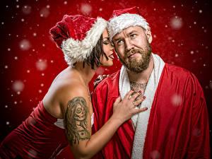 Fotos Neujahr Weihnachtsmann 2 Mütze Tätowierung Schnee Jake Mattila, Helena Kesti