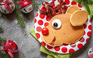 Fotos Neujahr Eierkuchen Tomate Kugeln Teller Schnauze Design