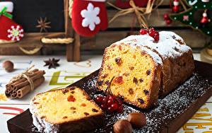 Fotos Neujahr Keks Nussfrüchte Puderzucker Beere Rosinen Schneidebrett