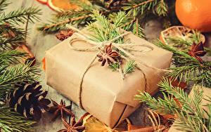 Fotos Neujahr Sternanis Geschenke Ast Zapfen