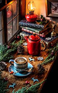 Fotos Neujahr Stillleben Flötenkessel Petroleumlampe Kaffee Ast Buch Tasse Zapfen Kugeln Lebensmittel