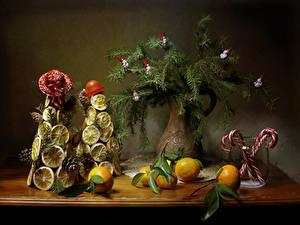 Hintergrundbilder Neujahr Stillleben Mandarine Süßware Zitrone Vase Ast Design Christbaum Der Hut Zapfen das Essen