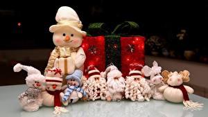 Hintergrundbilder Neujahr Spielzeug Viel Geschenke Schneemänner