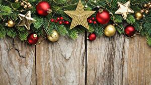Bilder Neujahr Bretter Ast Kugeln Kleine Sterne