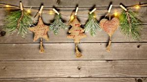 Fotos Neujahr Bretter Ast Stern-Dekoration Herz Lichterkette Wäscheklammer