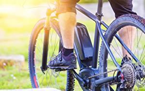 Tapety na pulpit Z bliska Rower Nogi