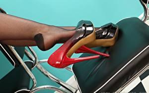 Hintergrundbilder Großansicht Stühle Bein High Heels Strumpfhose Mädchens