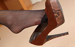 Bilder Hautnah Bein High Heels Strumpfhose junge Frauen