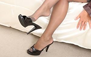 Hintergrundbilder Nahaufnahme Bein High Heels Strumpfhose Mädchens