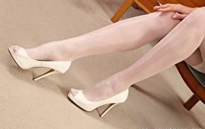 Hintergrundbilder Großansicht Bein High Heels Nylonstrumpf Mädchens