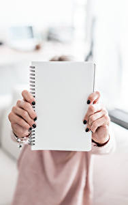 Hintergrundbilder Hautnah Notizblock Hand Maniküre Vorlage Grußkarte