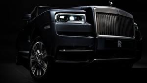 Hintergrundbilder Hautnah Rolls-Royce Auto Scheinwerfer 2018 Cullinan auto