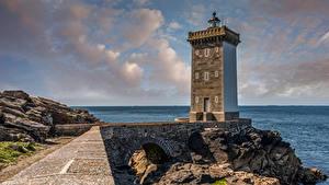 Fotos Küste Leuchtturm Wolke Kermovan Natur