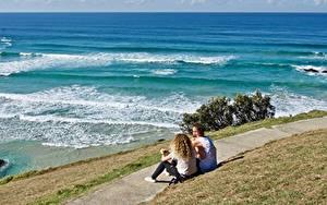 Bilder Küste Wasserwelle Mann Weg Gras Zwei Sitzen Natur