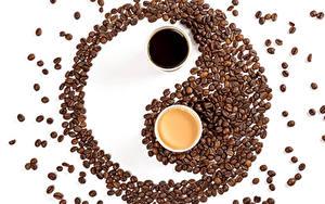 Hintergrundbilder Kaffee Cappuccino Yin und Yang Weißer hintergrund 2 Tasse Getreide das Essen