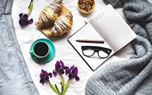 Papéis de parede Café Croissant Iris Chávena Bloco de notas Lunettes Lápis Alimentos