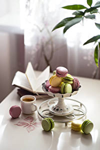 Fotos Kaffee Tasse Macarons Bunte Unscharfer Hintergrund Lebensmittel