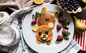 Picture Creative Hotcake Bears Strawberry Blueberries Pears Powdered sugar Plate Food