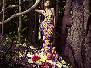 Wallpaper Creative Roses Gown Trunk tree Girls