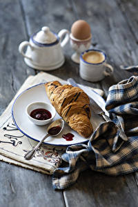 Fotos Croissant Powidl Kaffee Teller Ei Becher Lebensmittel