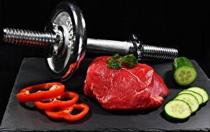 Hintergrundbilder Gurke Peperone Fleischwaren Hantel Geschnitten Schwarzer Hintergrund