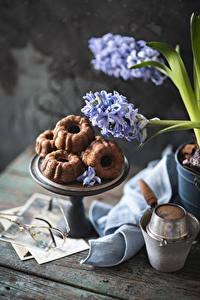 Bilder Cupcake Hyazinthen Bretter Brille Lebensmittel