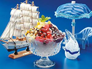 Fotos Dessert Segeln Obst Schokolade Farbigen hintergrund Design Regenschirm Lebensmittel
