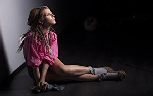 Fotos Dreadlocks Model Bein Sitzt junge Frauen