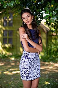 Fotos Model Posiert Blick Unscharfer Hintergrund Elle Mädchens