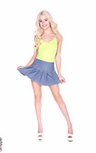 Bilder Elsa Jean iStripper Weißer hintergrund Blond Mädchen Lächeln Hand Rock Bein High Heels junge Frauen