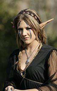 Hintergrundbilder Elfen Halsketten Dunkelbraun Starren Schminke Cosplay Mädchens