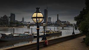 Bilder England Fluss Binnenschiff Abend London Straßenlaterne Waterfront Thames Städte