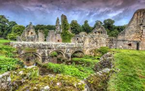 Fotos England Ruinen Brücken HDR Gras Fountains Abbey
