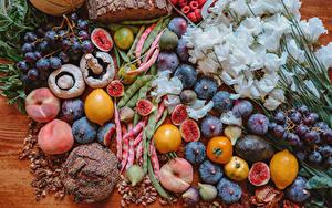 Hintergrundbilder Lisianthus Pilze Obst Pfirsiche Weintraube Zitrone Echte Feige Brot Blumen
