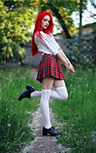 Bilder Evgeniy Bulatov Posiert Bein Rock Bluse Schülerin Blick Long Socken Vika junge frau